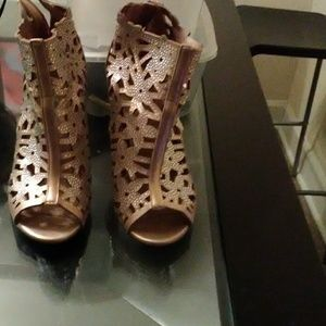 Madeline Shoes - Glitter flower pattern gold ankle boot
